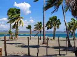 Playa Salinas Beach, Baní
